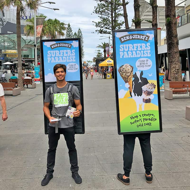 quang-cao-human-billboard